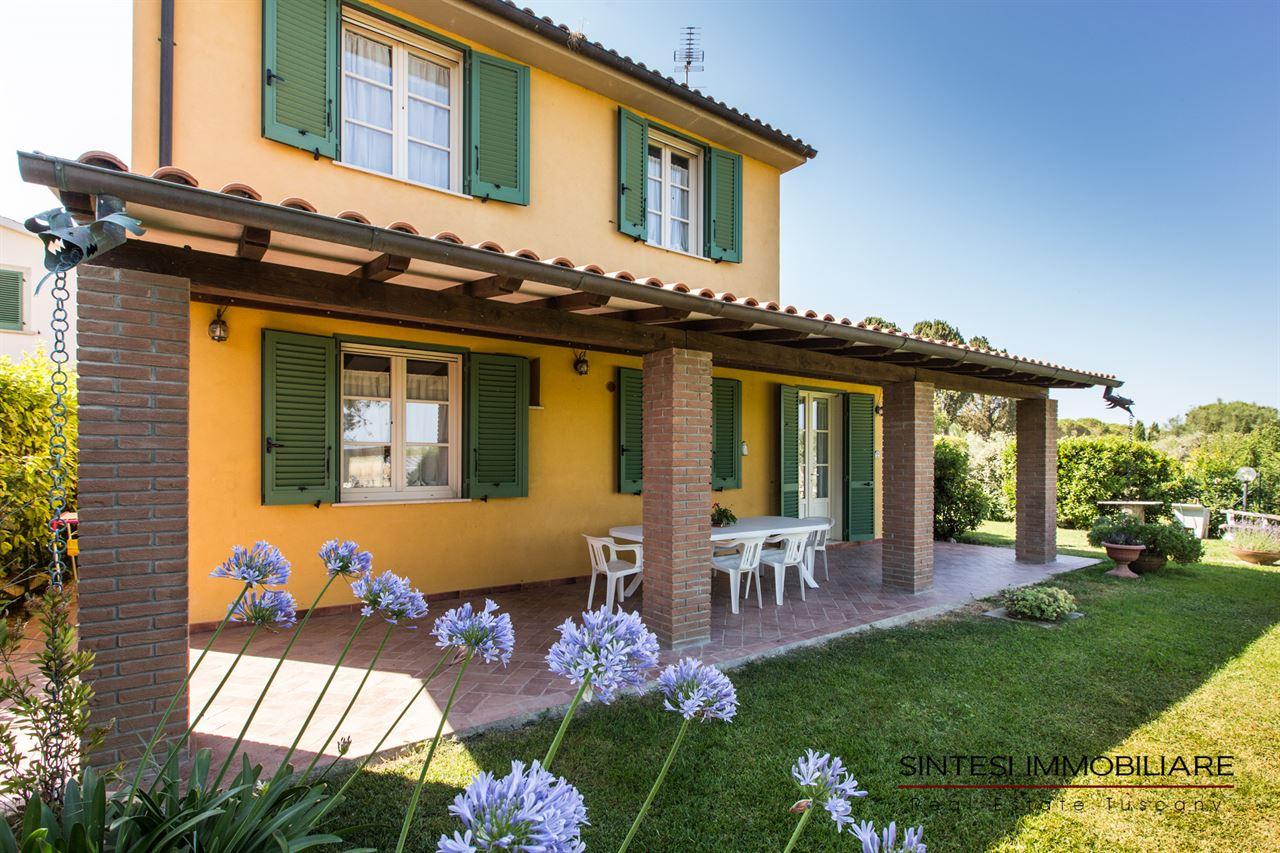 Vendita immobili case al mare villa di prestigio in vendita sulla costa toscana provincia - Casa con giardino livorno ...