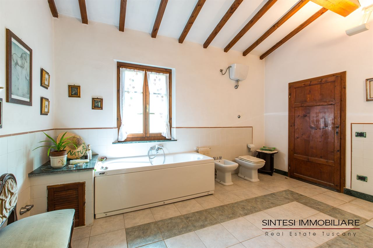 Affordable bagni rustici toscani vendita immobili rustici for Svendita mobili toscana