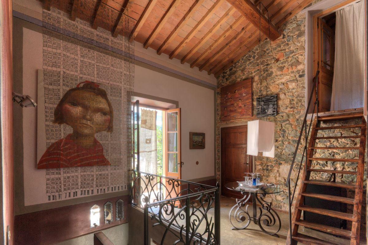 Vendita immobili ville di prestigio prestigiosa villa - Muri a vista interni ...