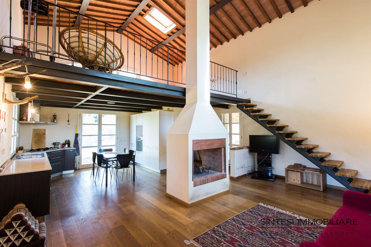 Vendita immobili rustici e casali autentico fienile for Interni di casali ristrutturati