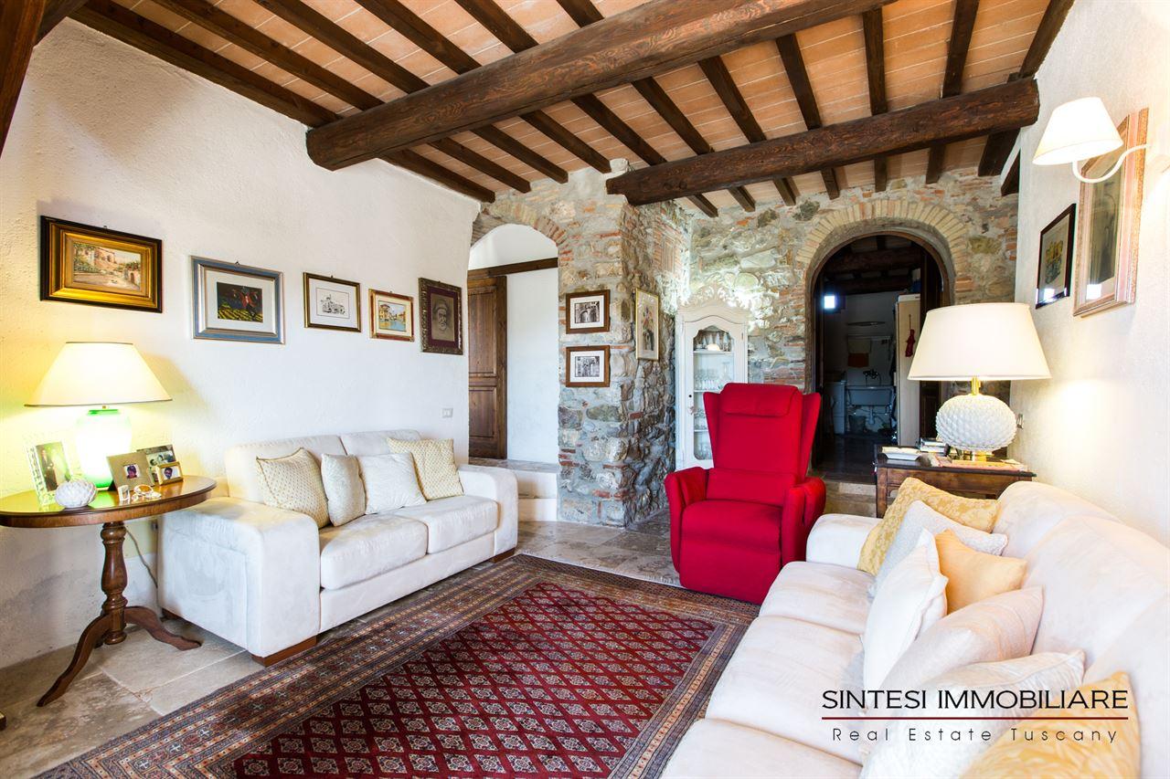 Vendita immobili ville di prestigio rustico casale for Salotto rustico