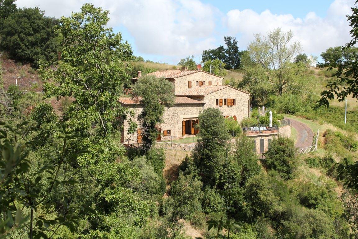 Vendita immobili rustici e casali esclusiva porzione di casale ristrutturato con piscina in - Casale in toscana ...