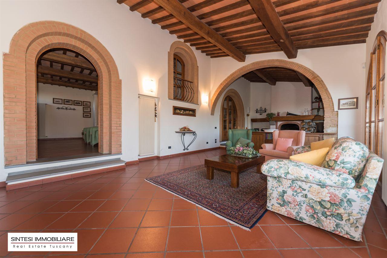 Vendita immobili ville di prestigio prestigiosa villa di for Foto interni ville