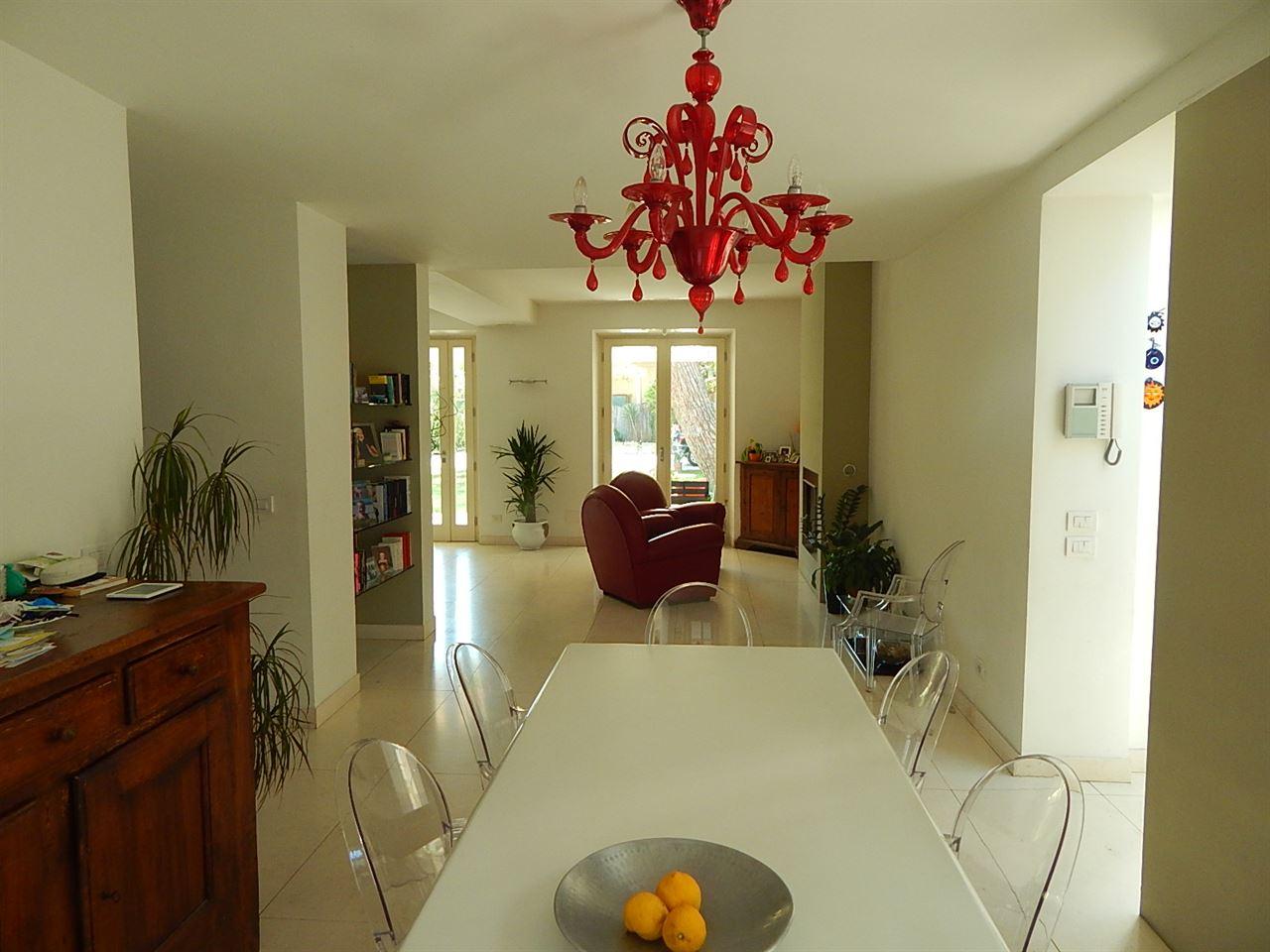Vendita immobili case al mare prestigiosa villa for Ville lussuose interni