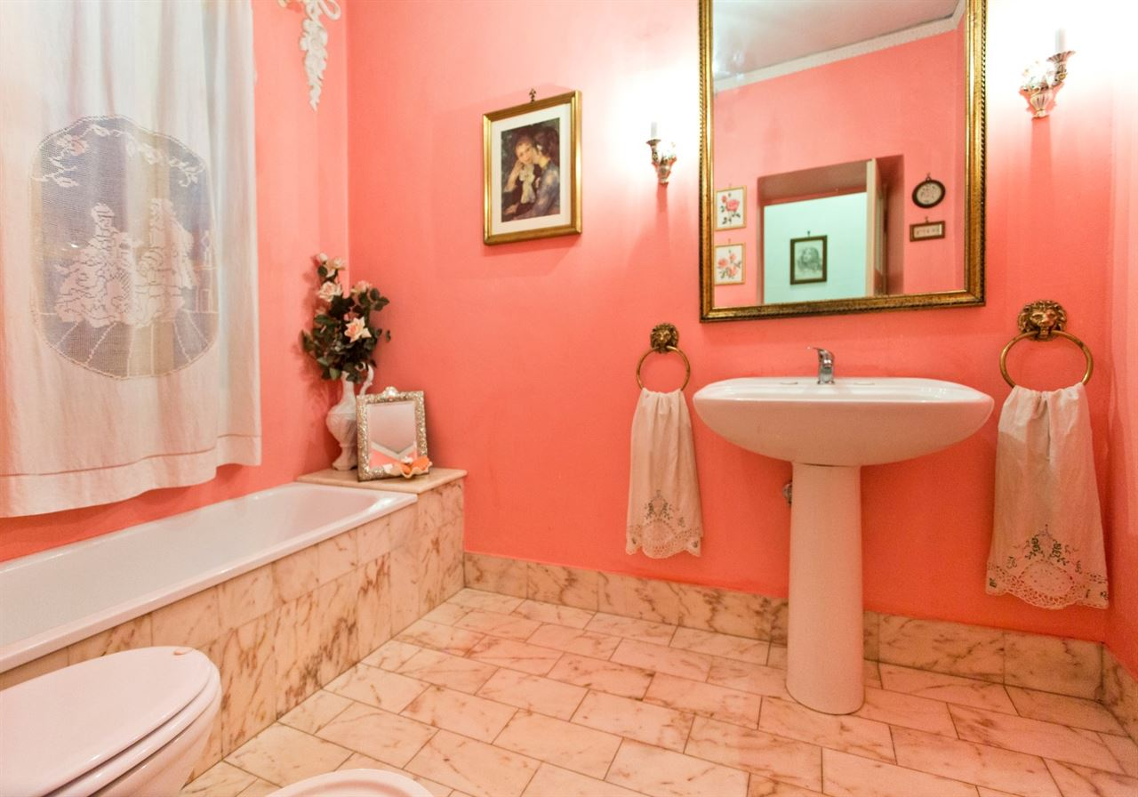 Sale real estate luxury villas prestigious historic villa for fine bathroom of superb ancien villa for sale in umbria spoleto dailygadgetfo Choice Image