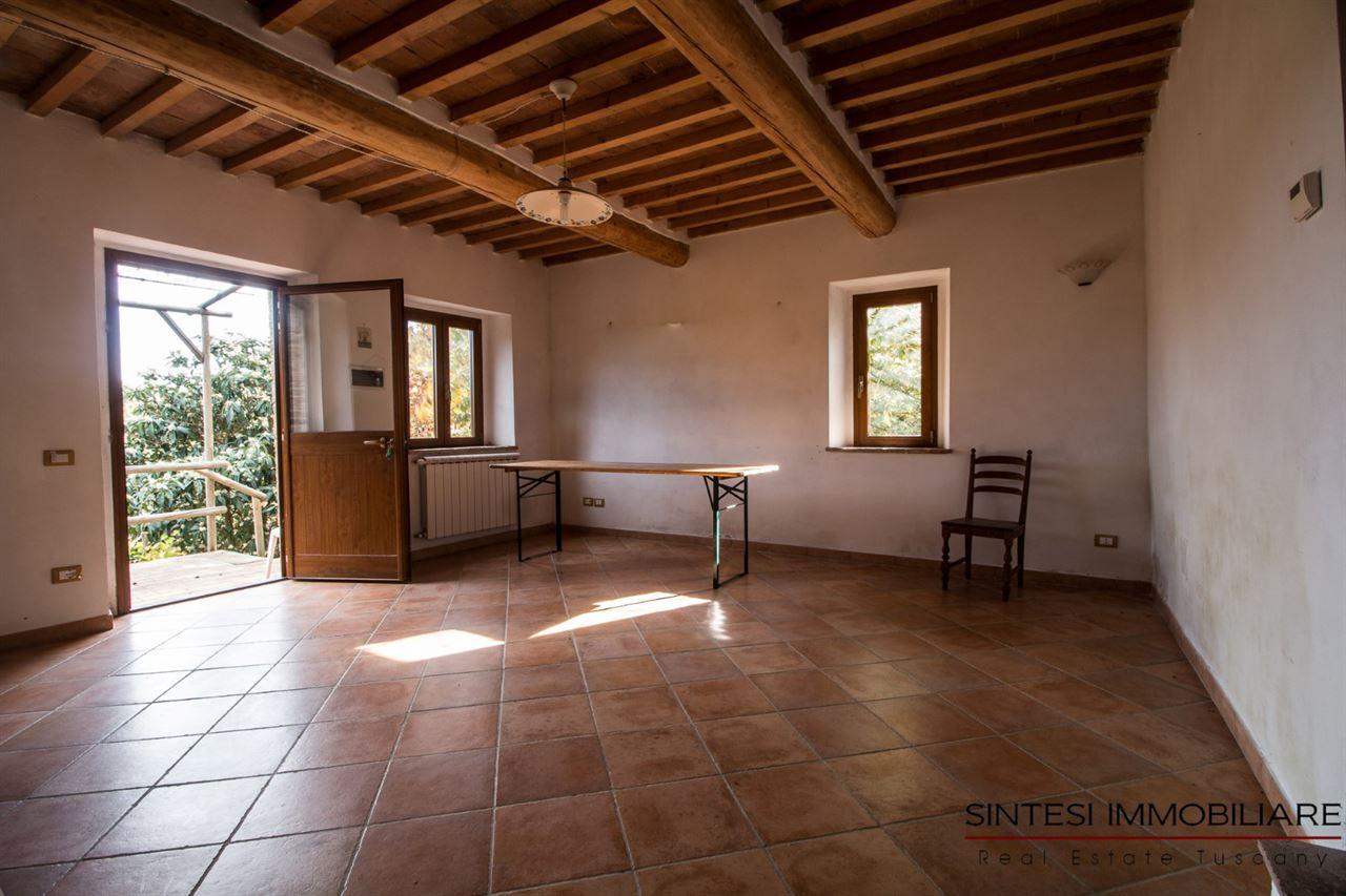 Vendita immobili rustici e casali suggestiva proprieta 39 con due casali in vendita in toscana - Ristrutturare casale in pietra ...