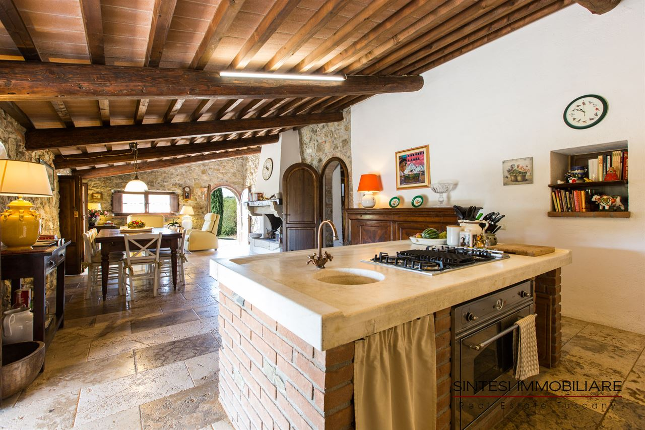 Vendita immobili ville di prestigio rustico casale in for Soggiorno rustico
