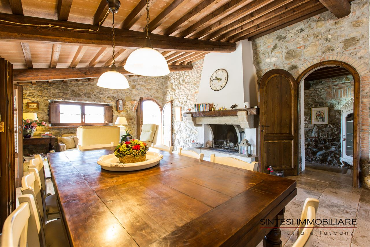 Vendita immobili ville di prestigio rustico casale for Foto di saloni