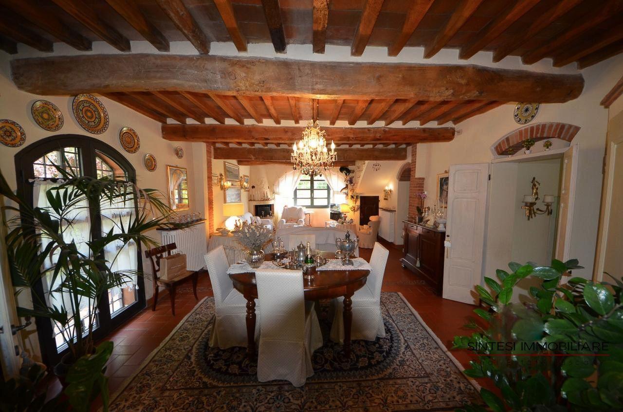 Vendita Immobili Ville di prestigio , Prestigiosa tenuta con 2 casali in vendita in Toscana ...
