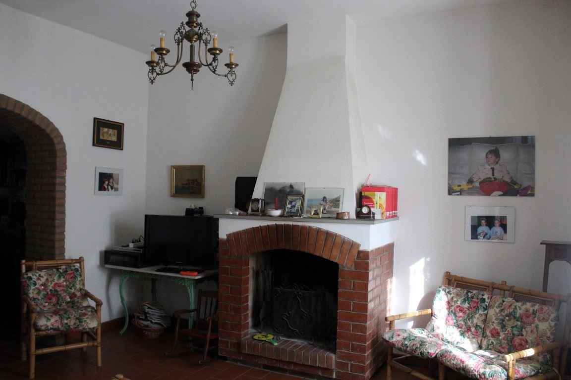 Vendita immobili rustici e casali prestigioso casale d for The living room 20 10