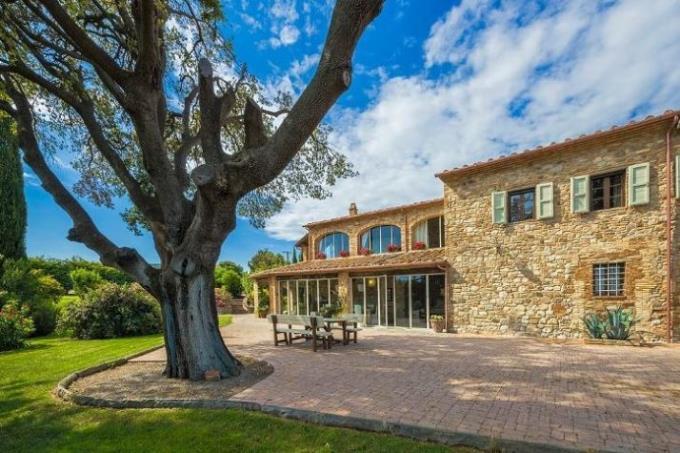villa-ottocentesca-con-piscina-in-vendita-toscana-pisa
