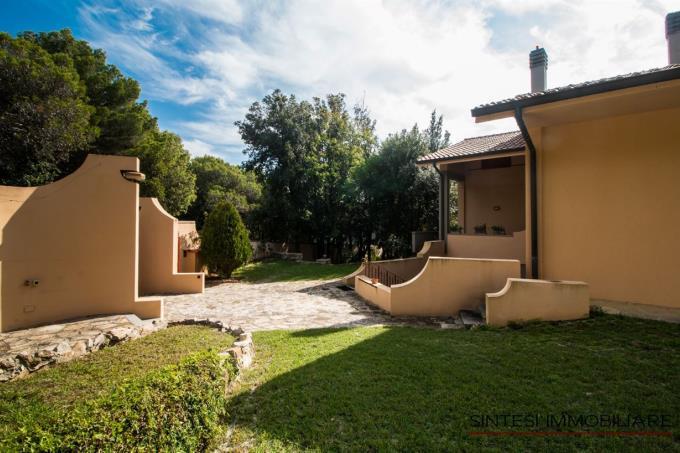 ingresso-lussuosa-villa-in-vendita-toscana-livorno