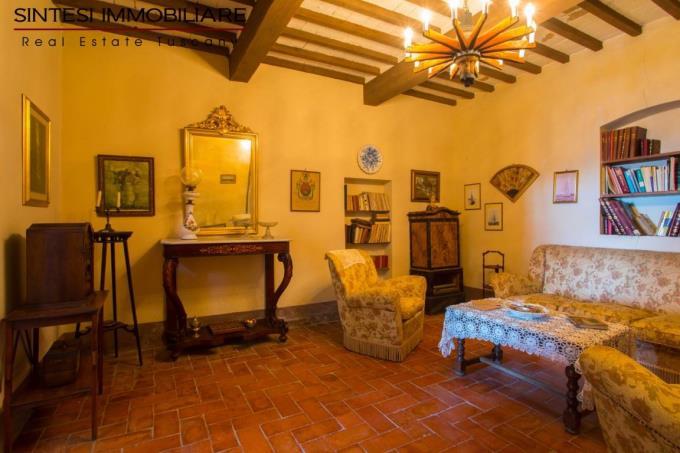salotto-prestigiosa-villa-antica-in-vendita-toscana-pisa-costa-etrusca