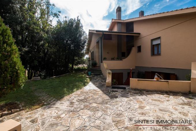 giardino-lussuosa-villa-sul-mare-in-vendita-toscana-costa-livorno