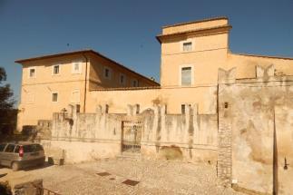 Prestigious castle to be restored for sale near Rome