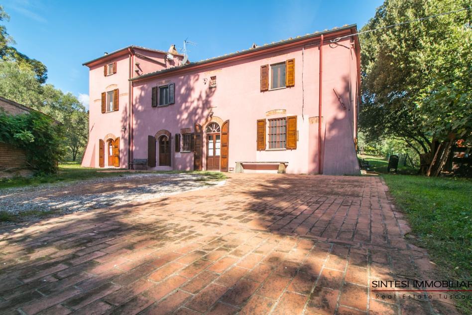ingresso-villa-storica-con-piscina-in-vendita-toscana-pisa-fauglia