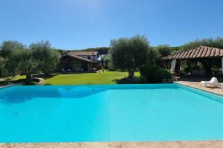 tenuta di prestigio con 2 casali 8 camere piscina vicino mare in vendita sudToscana Maremma Capalbio