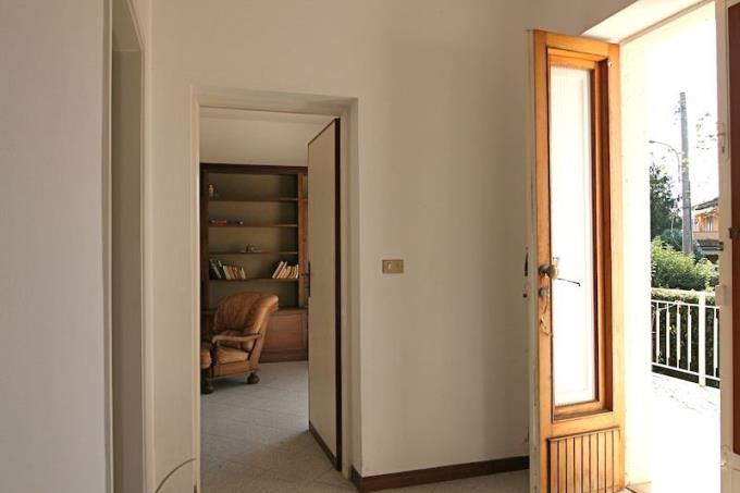 ampio-ingresso-villa-in-vendita-versilia-pietrasanta