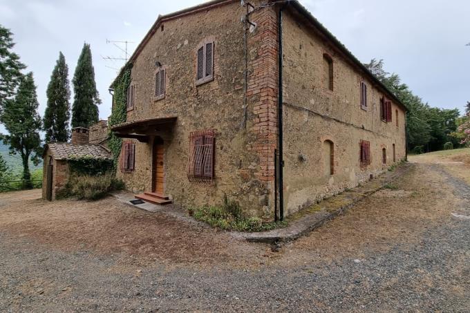 casale-d'epoca-ristrutturato-panorama-6-camere-in-vendita-toscana-campagna-di-volterra