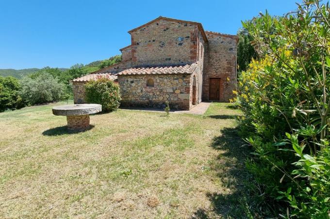 antico-casale-in-pietra-dominante-250-mq-4-camere-in-vendita-toscana-pisa-volterra