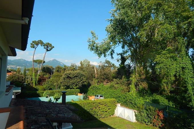 villa-di-prestigio-con-vista-apuane-in-vendita-in-toscana-versilia
