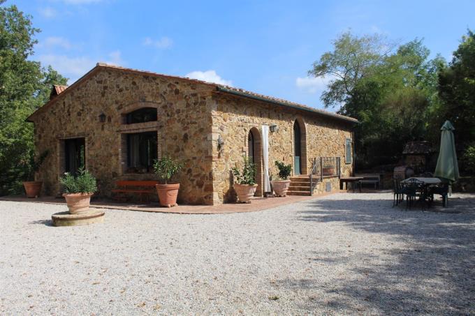 autentico-casale-rustico-in-pietra-in-vendita-toscana-costa-livorno-suvereto
