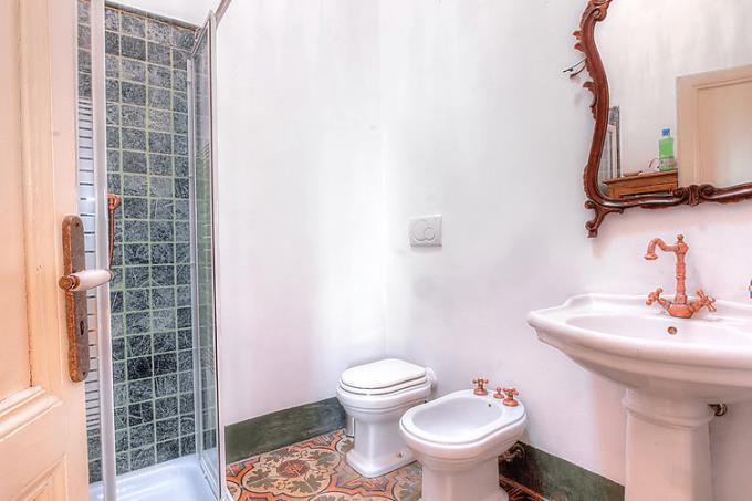 bagno-casale-di-lusso-con-vista-mare-toscana-costa-campagna-livorno