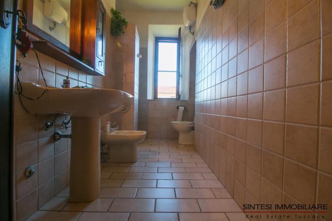bagno-tenuta-2-casali-in-vendita-toscana-maremma-suvereto