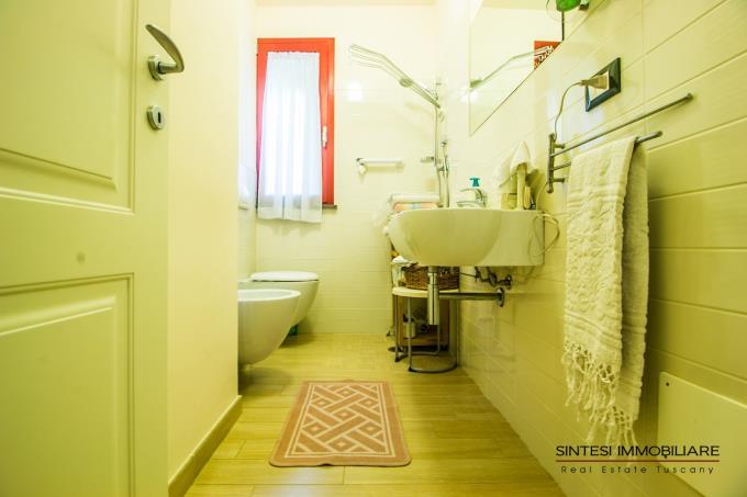 bagno-tenuta-di-lusso-con-2-casali-piscina-in-vendita-sud-toscana-maremma-massa-marittima