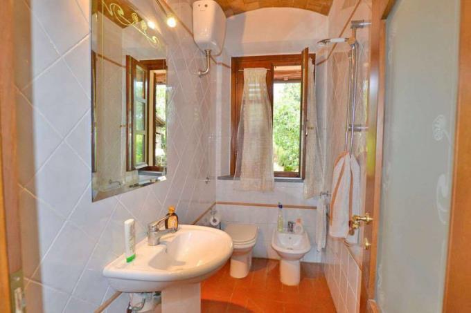 bagno-casale-ristrutturato-con-guesthouse-in-vendita-toscana-pisa-chianni