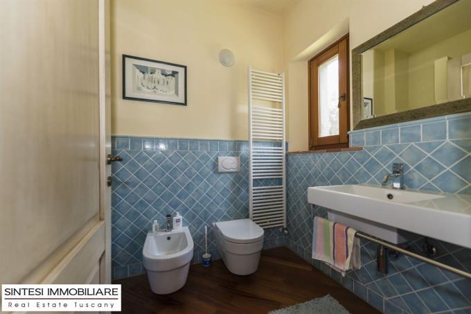 bagno-lussuosa-villa-padronale-in-vendita-toscana-pisa-volterra