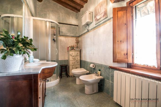 bagno-casale-ristrutturato-in-vendita-toscana-valdicornia-suvereto