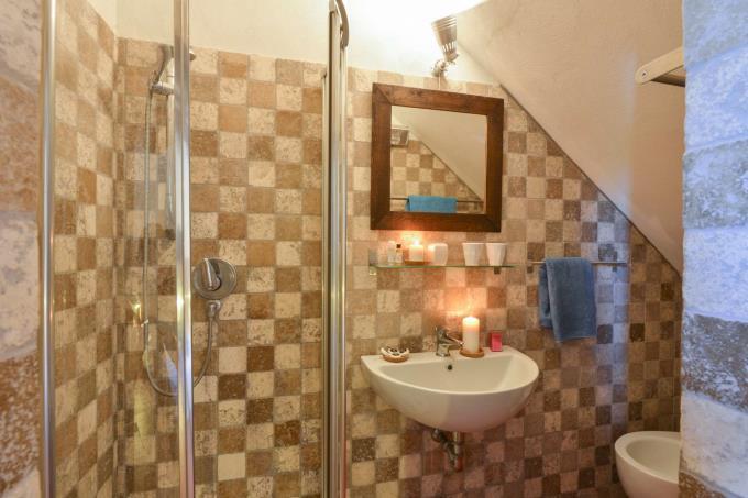 rustico-casale-con-piscina-5-camere-in-vendita-toscana-valdicecina-volterra