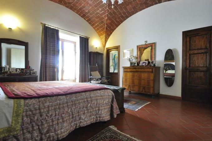 camera-autentico-rustico-casale-d'epoca-in-vendita-toscana-livorno-suvereto