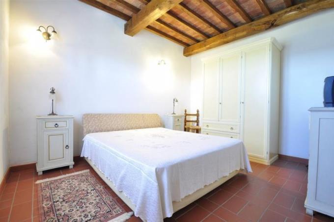 camera-rustico-casale-in pietra-vicino-a-baratti-in-vendita-toscana-costa-livorno-suvereto