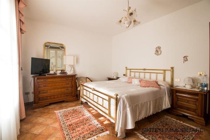 camera-porzione-villa-bifamiliare-in-vendita-toscana-pisa