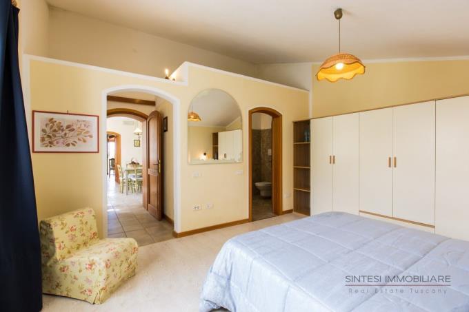 camera-appartamento-padronale-casale-vendita-toscana-bibbona