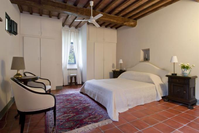 camera-ospiti-casale-principale-vendita-toscana-siena