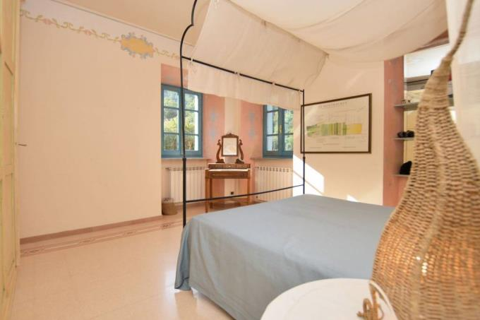 camera-casale-di-charme-vista-mare-in-vendita-toscana-lucca-pietrasanta