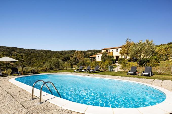 bellissima-villa-con-6-camere-piscina-vicino-mare-in-vendita-toscana-livorno-suvereto