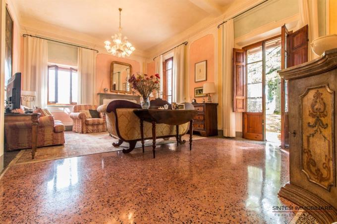 living-autentica-villa-d'epoca-in-vendita-in-toscana-pisa-volterra