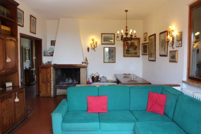 luminoso-salone-prestigioso-villa-in-vendita-toscana-livorno-quercianella