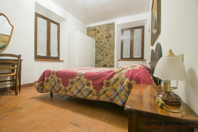 camera-autentico-rustico-ristrutturato-7-camere-in-vendita-toscana-maremma-suvereto