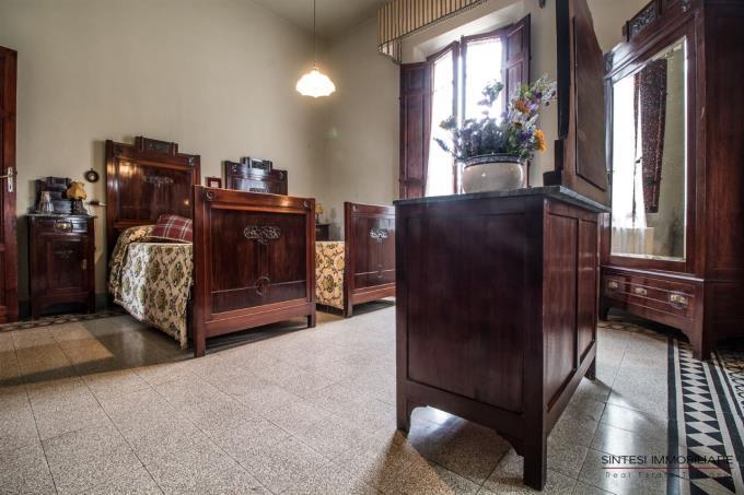 camera-incantevole-villa-d'epoca-in-vendita-toscana-tra-pisa-e-volterra