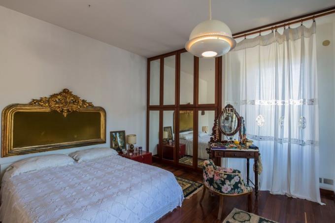 camera-padronale-lussuosa-villa-mare-toscana-livorno