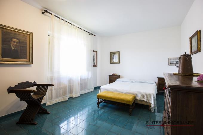 camera-padronale-villa-toscana-vendita-castiglioncello