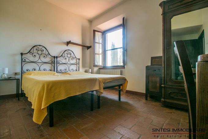 camera-prestigioso-casale-in-pietra-ristrutturato-in-vendita-toscana-maremma-suvereto
