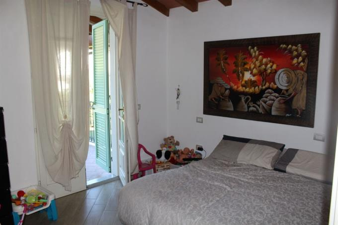 camera-principale-villa-di-prestigio-in-vendita-in-versilia