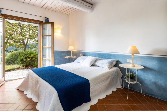 camera-villa-con-piscina-in-vendita-toscana-maremma-suvereto