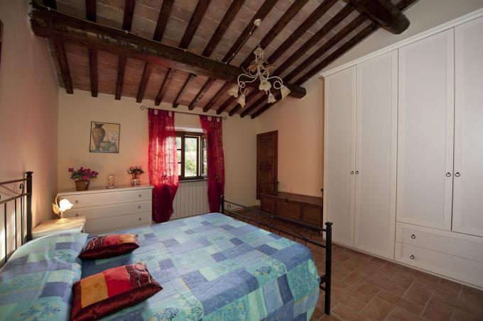 caratteristica-camera-del-prestigioso-casale-ottocentesco